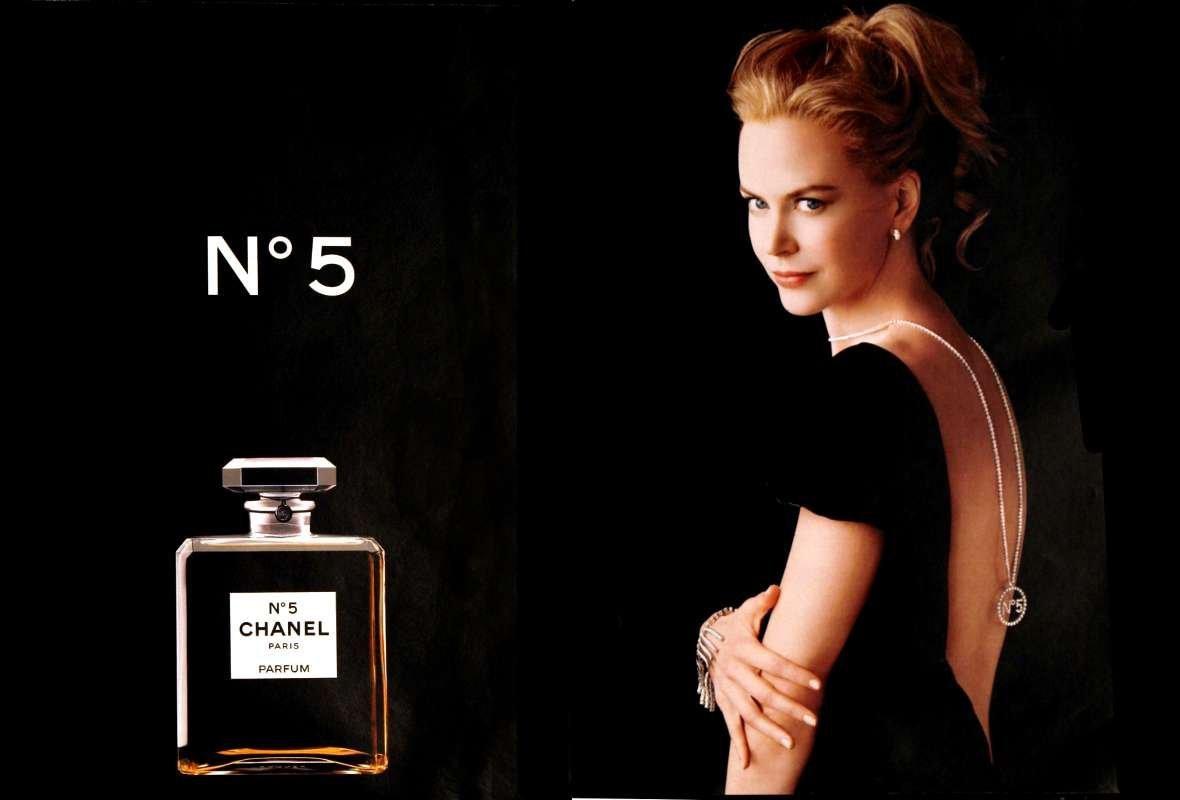 Chanel No.5- lời thì thầm của tình nhân