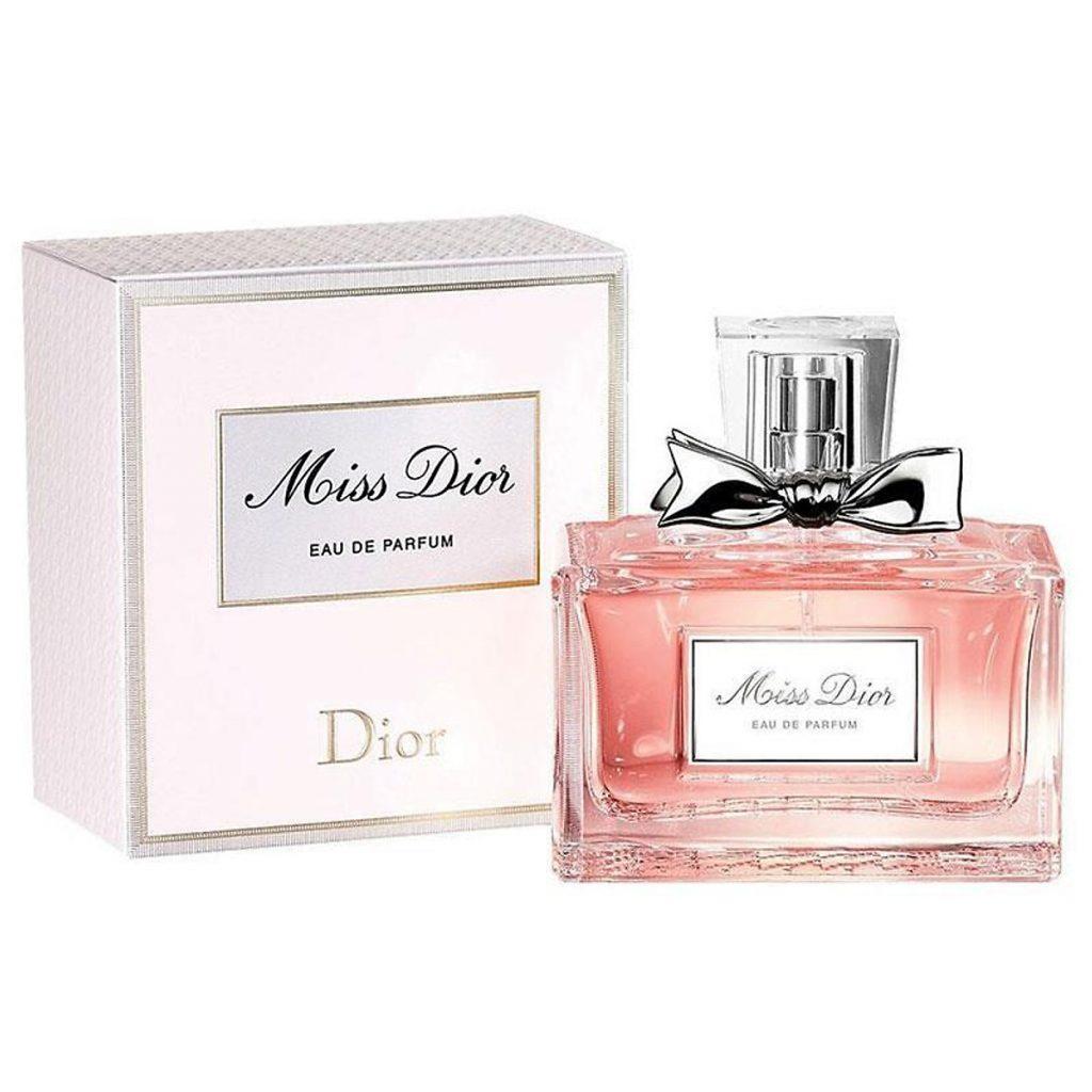 Nên chọn nước hoa Eau De Toilette hay Eau De Parfum?